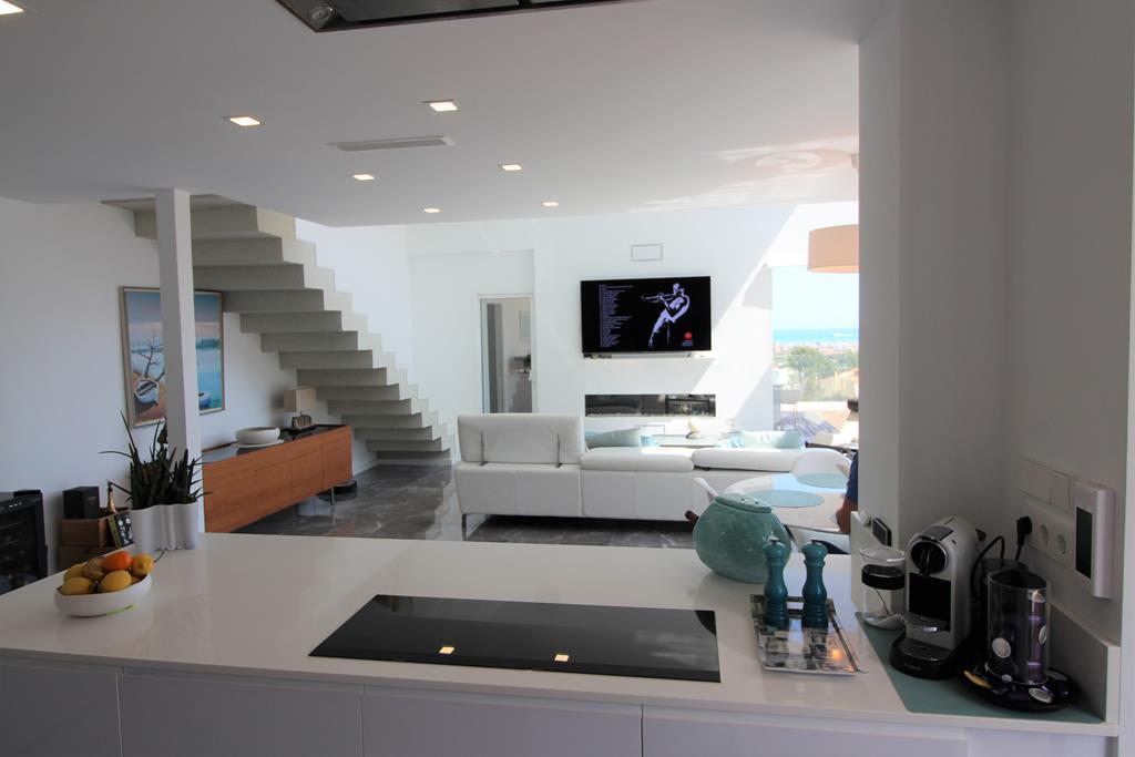 Villa moderna con vistas al mar y al Montgó en Dénia