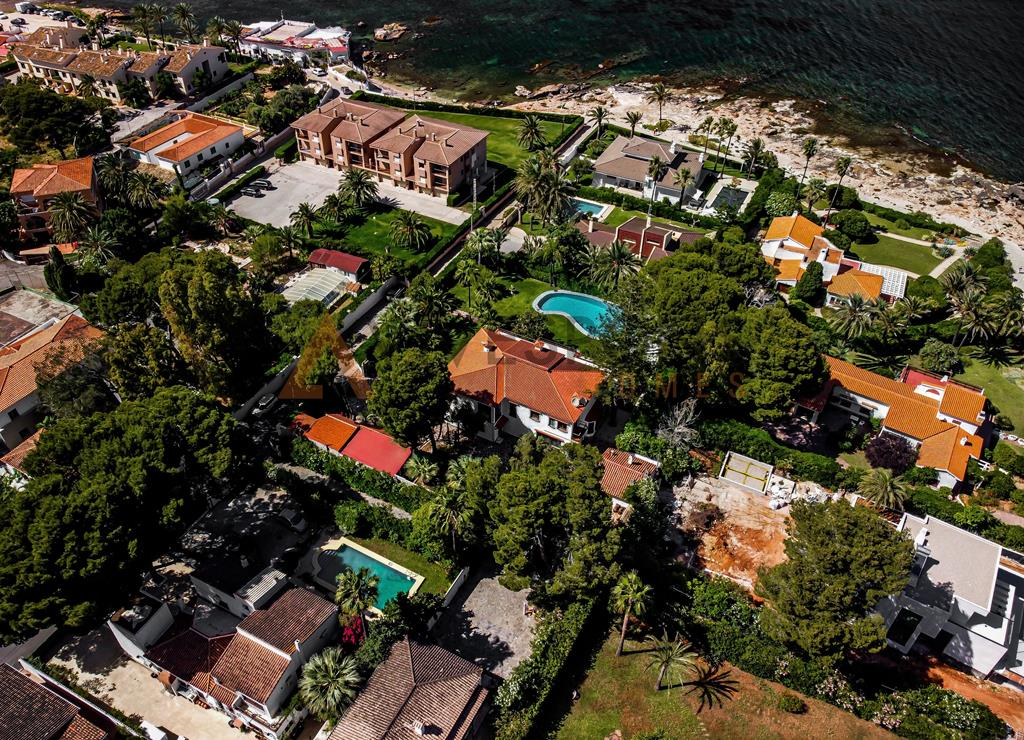 Villa a cien metros del mar en Las Rotas, Dénia